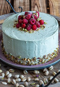 My favorite on the cake buffet - raspberry and pistachio cake - In love with shock! When raspberry meets pistachio, many gourmet hearts beat faster. The pistachio - Cookie Recipes, Dessert Recipes, Frosting Recipes, Naked Cakes, Gourmet Cakes, Pistachio Cake, Deviled Eggs Recipe, Number Cakes, Cake & Co