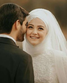 Tips For Putting Together A Successful Wedding Day. Wedding planning can be as difficult as it is stressful. Wedding Hijab, Wedding Poses, Wedding Couples, Wedding Bride, Married Couples, Cute Muslim Couples, Romantic Couples, Cute Couples, Man Fashion