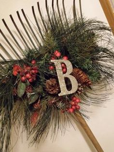 I& thinking if I used fall leaves, acorns, sticks, etc. then this would be a really good fall decoration. Christmas Porch, Primitive Christmas, Country Christmas, Winter Christmas, All Things Christmas, Vintage Christmas, Christmas Wreaths, Christmas Decorations, Christmas Arrangements