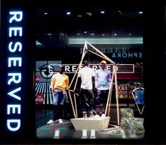 The fashion trend in Spring/Summer 2017 also dominates the retail window display. Accents referring to nature, in most cases leaves – exotic, ordinary, Retail Windows, Warsaw Poland, Retail Design, Visual Merchandising, Spring Summer, Leaves, Display, Seasons, Make It Yourself