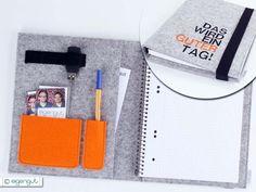 Praktischer Organizer, gefertigt aus reinem, 3mm starkem Wollfilz. Die Schreibmappe bietet Dir Platz für einen Collegeblock (A5), Stifte, Visitenkarten, USB-Stick und vieles mehr...  • Organizer...