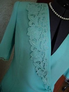 Kurti Embroidery Design, Embroidery Neck Designs, Floral Embroidery Patterns, Cutwork Embroidery, Embroidery Fashion, Salwar Designs, Blouse Designs, Kinds Of Clothes, Clothes For Women