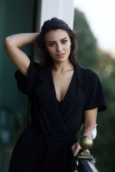 Beautiful and Sexy Babes! Turkish Beauty, Indian Beauty, Beauty Full Girl, Beauty Women, Beautiful Celebrities, Gorgeous Women, Non Blondes, Brunette Beauty, Woman Face