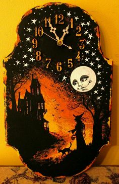 Shellyne, they sell wood plaques like these at Michael's and clock parts. I've always wanted a halloween clock (let's add a 13 though). Samhain Halloween, Holidays Halloween, Halloween Crafts, Happy Halloween, Halloween Decorations, Halloween Ideas, Halloween Queen, Halloween Ornaments, Halloween Night