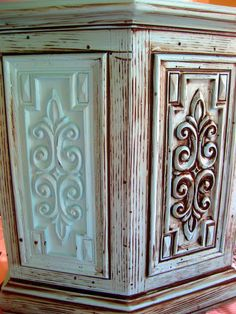 DIY Glazing and Antiquing Furniture Tutorial! {You're WELCOME!}