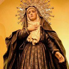 """@domdaamizade -  Santa Teresa de Lisieux: """"Com a prática fiel das virtudes mais humildes e simples, tornaste, minha Mãe, visível a todos o caminho reto do Céu"""".  #nossamãe  #nossasenhora #virgem #virgemmaria #santa #imaculada #mãedaigreja #humilde #pura #imaculada #intercessora #igreja #catolica #catolica"""