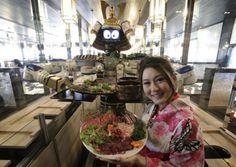 El primer robot camarero The first robot waiter