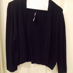 Black shrug sweater lightweight. Black sweater size xl. Never worn, excellent condition! Ceces Sweaters Shrugs & Ponchos