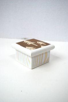 Caja de madera White Pine Tree  decoración de Navidad por Mmim, $8.00