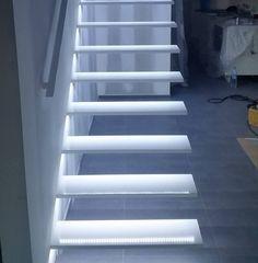 Escaliers en acier avec led
