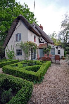 Cottage with A Formal Garden, Woolstone, Oxfordshire