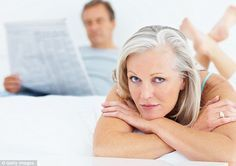 Muitas mulheres acham que a sua vida sexual e o prazer são alterados à medida que entram na menopausa....