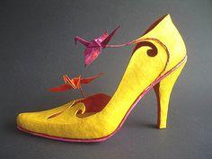 Paper-Shoe Paper Shoes, Paper Clothes, Paper Dresses, Creative Shoes, Unique Shoes, Crazy Shoes, Me Too Shoes, Stiletto Heels, High Heels