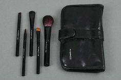 MAC. Make-up brush set