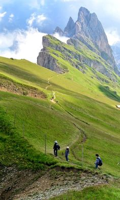 Trekking in The Dolomites.. Italy (by Angelo Ferraris on 500px) This looks amazing, i want to go too!