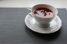 Tea can boost exercise endurance. Scientists have found that the catechins (antioxidants) in green tea extract increase the body's ability to burn fat as fuel, which accounts for improved muscle endurance. Blueberry Tea, Blueberry Pancakes, English Tea Store, Green Tea Extract, Natural Birth, Gazpacho, Blue Berry Muffins, Soup And Salad, Coffee Drinks