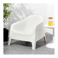 IKEA SKARPÖ armchair, outdoor The drain hole in the seat lets water drain out.