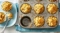 These muffin-tin mac and cheese cups work equally well on a buffet or in a lunch box! These muffin-tin mac and cheese cups work equally well on a buffet or in a lunch box! Toddler Meals, Kids Meals, Easy Meals, Kid Friendly Dinner, Kid Friendly Meals, Mac And Cheese Cups, Mac Cheese, Cheddar Cheese, Muffin Tin Recipes