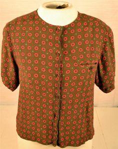 Jones Wear Petite Size 12 Short Sleeve 100% Rayon Floral Pattern Blouse