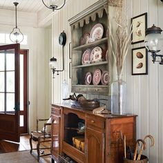 Nostalgic Feel - Fabulous Foyer Decorating Ideas - Southern Living