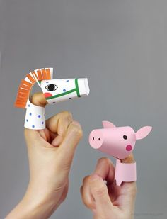 Farm Animal Finger Puppets - Mr Printables - you can easily adapt the horse to become a silly unicorn. Kids Crafts, Crafts To Do, Arts And Crafts, Mr Printables, Free Printable, Diy Paper, Paper Crafts, Paper Cones, Diy Toys