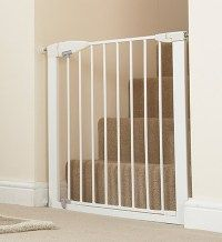 Munchkin Easy Close Metal Baby Gate White Model *** You can get more details by clicking on the image. (This is an affiliate link) Safety Gates For Stairs, Baby Gate For Stairs, Stair Gate, Metal Baby Gate, Best Baby Gates, Cute Baby Wallpaper, Baby Door, Pet Gate, Wooden Gates