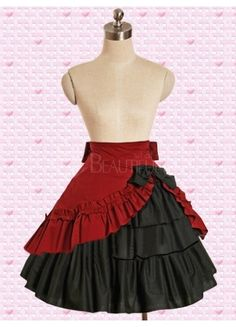 This would be awesome as a base for the red costume of Tim Burton's Alice red dress! Mode Unique, Flamenco Skirt, Red Costume, Costumes, Ruffle Skirt, Ruffles, Layered Skirt, Cute Skirts, Lolita Dress