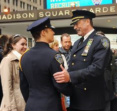 On Blue Bloods Frank Reagan (Tom Selleck) and Jamie Reagan (Will Estes) get into some typical father-son spats. But off-screen Will Estes reveals he has nothing but respect for the veteran actor. Tom Selleck Blue Bloods, Blue Bloods Tv Show, Jesse Stone, Blood Photos, Cop Show, W Two Worlds, Donnie Wahlberg, Gossip Girl, Tango