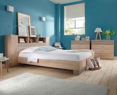 peinture chambre mansardée | murs bleus, bois gris et chambre
