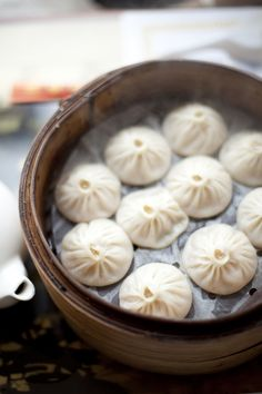 xiaolongbao 小笼包 - Chinese soup dumplings with pork inside :D .... Girls, we have to try these when we visit!