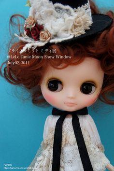 ブライスサミットミディ EXHIBITION LeLe Junie Moon Show Window July 02 , 2011