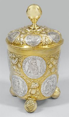 Silver tankard. This represents Putin Russia says that my writing re all groups working together 2harm Dave&I are sterling and golden. Prnsly I dont know. Dave, please confirm.
