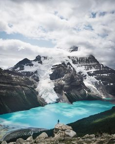Tap image for travel information - Exploring Berg Lake Travel information below Mount Robson Provincial Park British Columbia Canada. Jun-Sep for warmer weather. for more awesome photos! # Search for similar experiences by hashtag - Vancouver, British Columbia, Road Trip, Hiking Places, Fraser Valley, Destinations, Mountain Landscape, Vacation Places, Travel Information