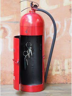 Extincteur boite à clefs Firefighter Home Decor, Men Home Decor, Metal Art Projects, Deco Originale, Diy Shops, Steel Art, Bottle Lights, Fire Extinguisher, Decoration