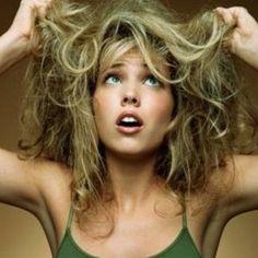 Problemi di capelli: forfora, caduta e… intestino.  Possibile che i problemi ai capelli abbiano come causa comune un intestino in condizioni non ottimali?  http://www.saluteintestinale.com/problemi-di-capelli-forfora-caduta/