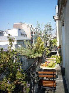 Inspirations pour aménager un petit balcon haussmannien Draußen