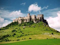 Zipser Burg im Slowakei Reiseführer http://www.abenteurer.net/2807-slowakei-reisefuehrer/