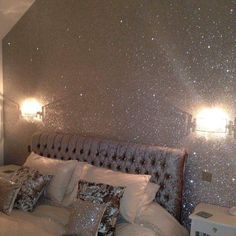 35 Lovely Glitter Wall Paint Ideas For Beautiful Bedroom - Any little girl will love Fairy bedroom décor. She will be able to create her own magical world in which to pursue her hopes and dreams. Making her ro. Glitter Wallpaper Bedroom, Glitter Bedroom, Glitter Paint For Walls, Silver Paint Walls, Sparkle Wall Paint, Glitter Home Decor, Silver Glitter Wallpaper, Glitter Paint Interior, Wallpaper Roll