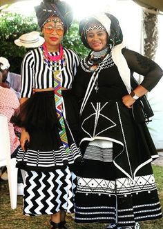 The designer and her muse 💞 Venda Traditional Attire, African Traditional Wedding, African Traditional Dresses, Traditional Fashion, Traditional Outfits, African Wedding Attire, African Attire, African Wear, African Dress