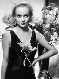 Old Hollywood Stars, Old Hollywood Glamour, Golden Age Of Hollywood, Classic Hollywood, Vintage Hollywood, Hollywood Party, Carole Lombard, Divas, Classic Actresses