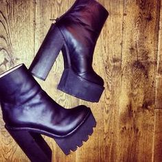 Niccoleemasonxx with the Jeffrey Campbell Mulder Platform Boot (http://www.nastygal.com/product/mulder-platform-boot)