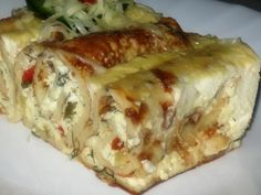 Reteta culinara Clatite gratinate din categoria Aperitive / Garnituri. Cum sa faci Clatite gratinate Romanian Food, Romanian Recipes, My Favorite Food, Favorite Recipes, Sweet And Salty, Cooking Light, Soul Food, Food To Make, Party