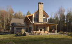 This house in Stowe, Vermont is an expression of the client's love of the natural world. The owner's joyful appreciation of the outdoors finds its way into the architecture, with the welcoming of n…