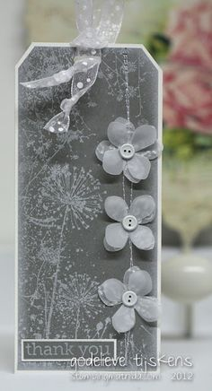 Gray monochromatic tag