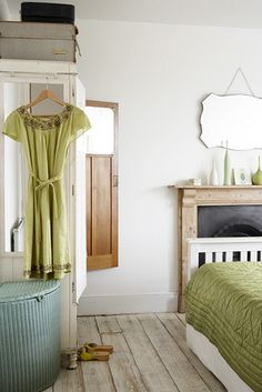 interior design, weight loss diets, cottage chic, floor, color, green, weathered wood, laundry baskets, bedrooms