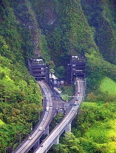 Amazing Long Tunnel Through Beautiful Island of Oahu – Kaneohe to Pearl Harbor