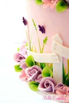love the delicate detail on this spring cake