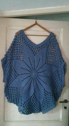 Super crochet poncho for beginners prayer shawl Ideas Diy Crochet Sweater, Col Crochet, Poncho Au Crochet, Crochet Tank Tops, Crochet Woman, Crochet Cardigan, Filet Crochet, Crochet Clothes, Crochet Capas