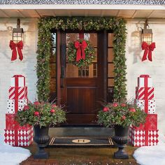 It is possible to also use Christmas lights to get your door pop out during night time. Christmas door decorations leave the very first impression Christmas Front Doors, Christmas Door, Christmas Crafts, Christmas Ideas, Christmas Greenery, Outside Christmas Decorations, Outdoor Decorations, Outdoor Christmas Wreaths, Outdoor Ideas