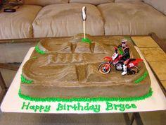 Motocross Track on Cake Central Motorcross Cake, Bmx Cake, Motorbike Cake, Dirt Bike Cakes, Dirt Bike Party, Dirt Bike Birthday, Dirt Bike Kuchen, Motocross Tracks, Jake Cake